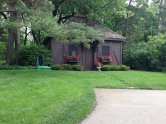 przykład domku letniskowego z ogrodem